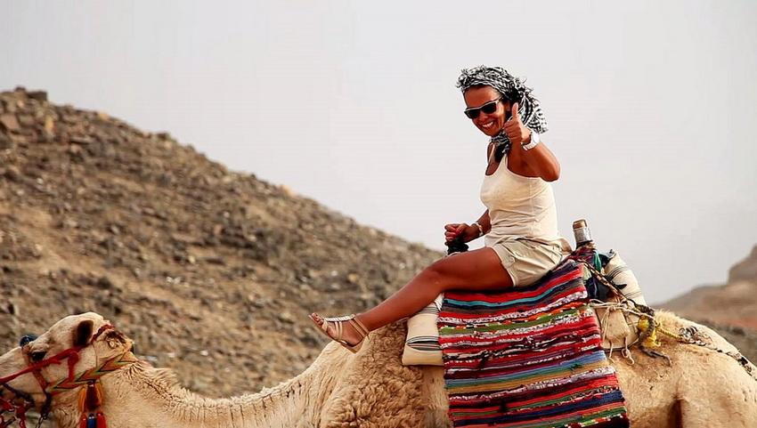 Красавица на верблюде.